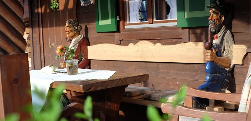 Gartenbank am Gästehütterl